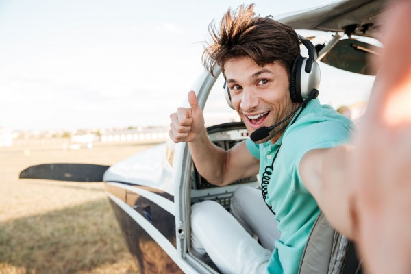 Pilot-thumbs-up.600x400-crop.jpg